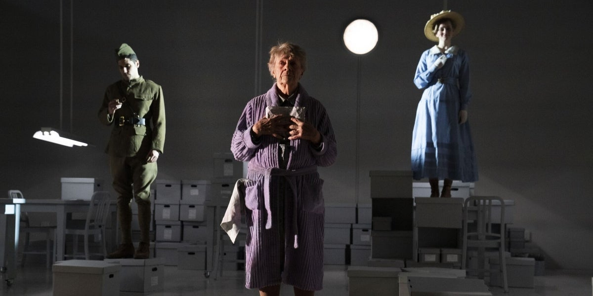 Perry Sherman, Estelle Parsons & Kerstin Anderson in Unknown Soldier